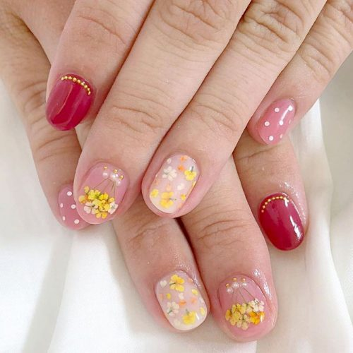 Spring Nails With Fragile Dried Flowers picture 2