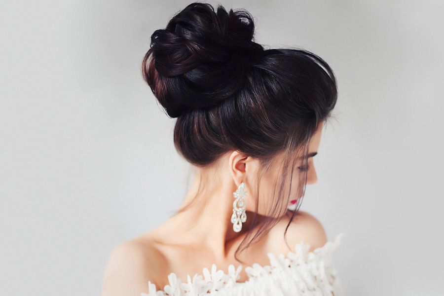 Chignon Hairstyles To Emphasize Your Femininity