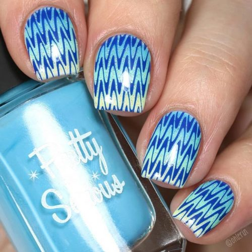 Ombre Chevron Nails Design #ombrenails #bluenails