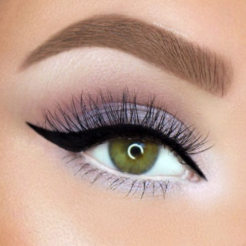 Simple Makeup Idea With Black Eyeline #blackeyeline #greeneyes