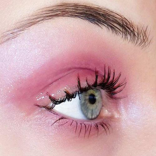 Sexy Eye Makeup With Glossy Eyeshadow picture 3