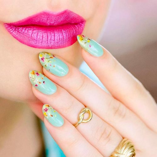 Amazing Dried Flowers On Your Nails #almondnails #bluenails