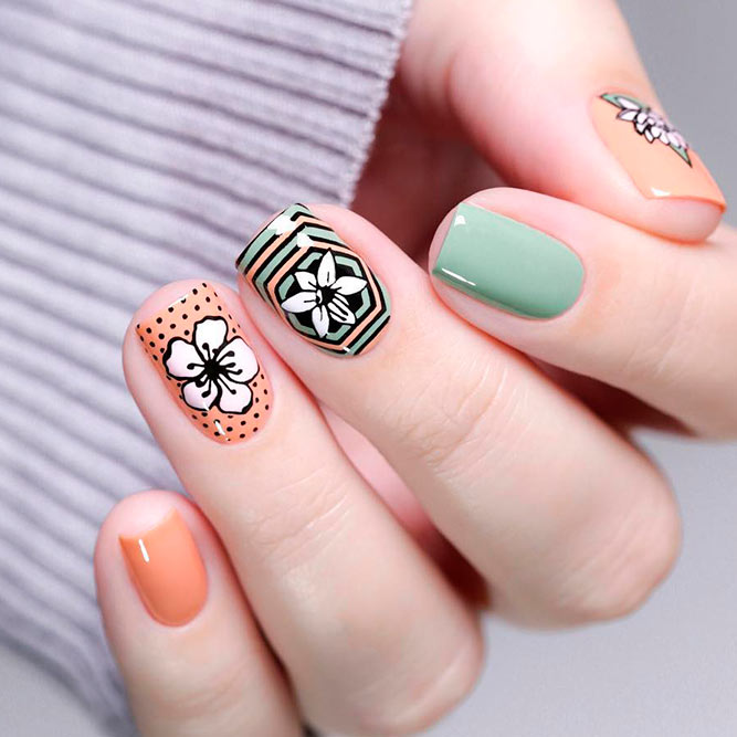 Quick And Easy Stamping Flowers #palenails #nailstamping