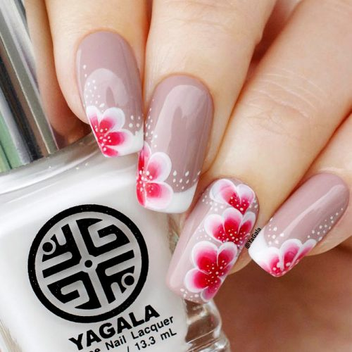 Trendy Flower Nail Designs Picture 1