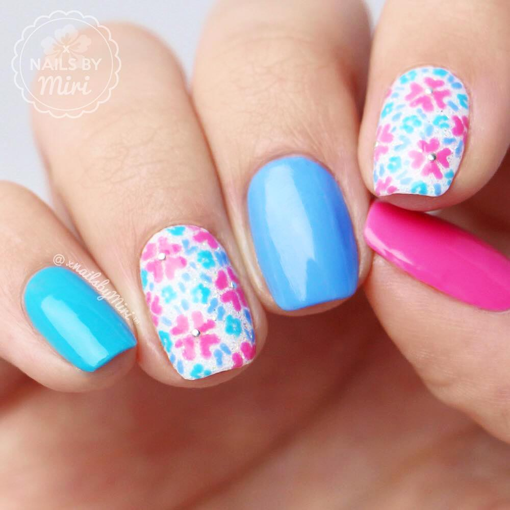 Fresh Spring Nail Flowers Picture 1