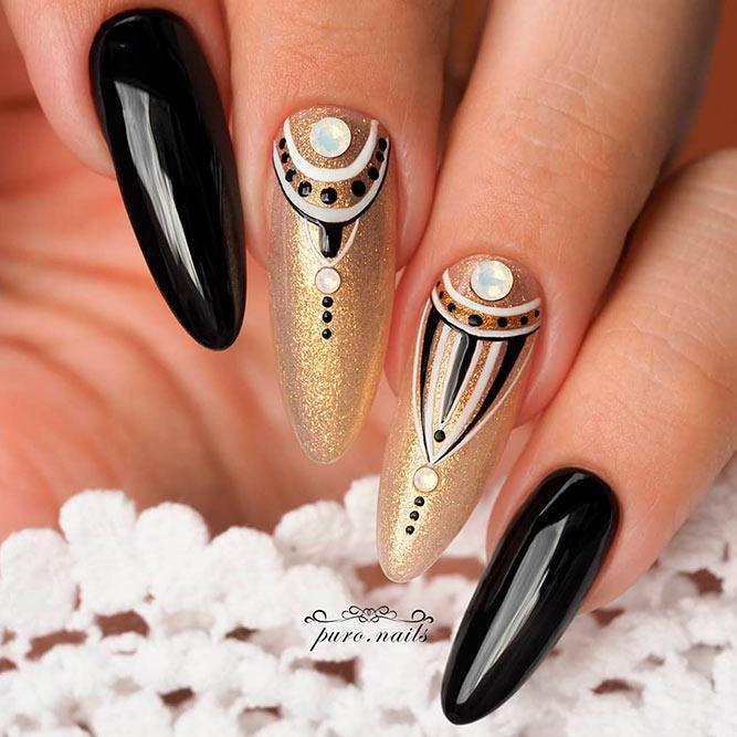 Mandala Nail Art #mandalanails #blacknails
