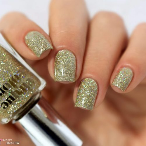 Every Day Is A Holiday With Gold Glitter Nails Picture 5