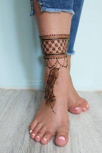 Henna Tattoo Design With Feather #feathertattoo