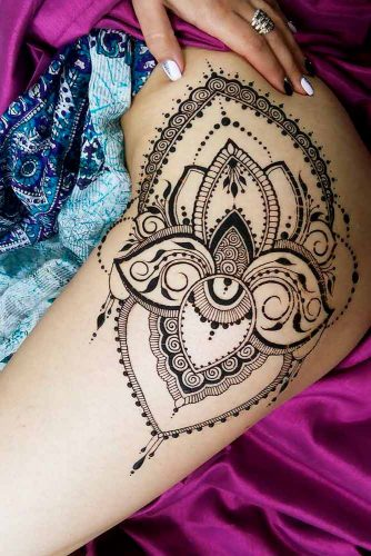 Lower body Henna Tattoo Picture 3