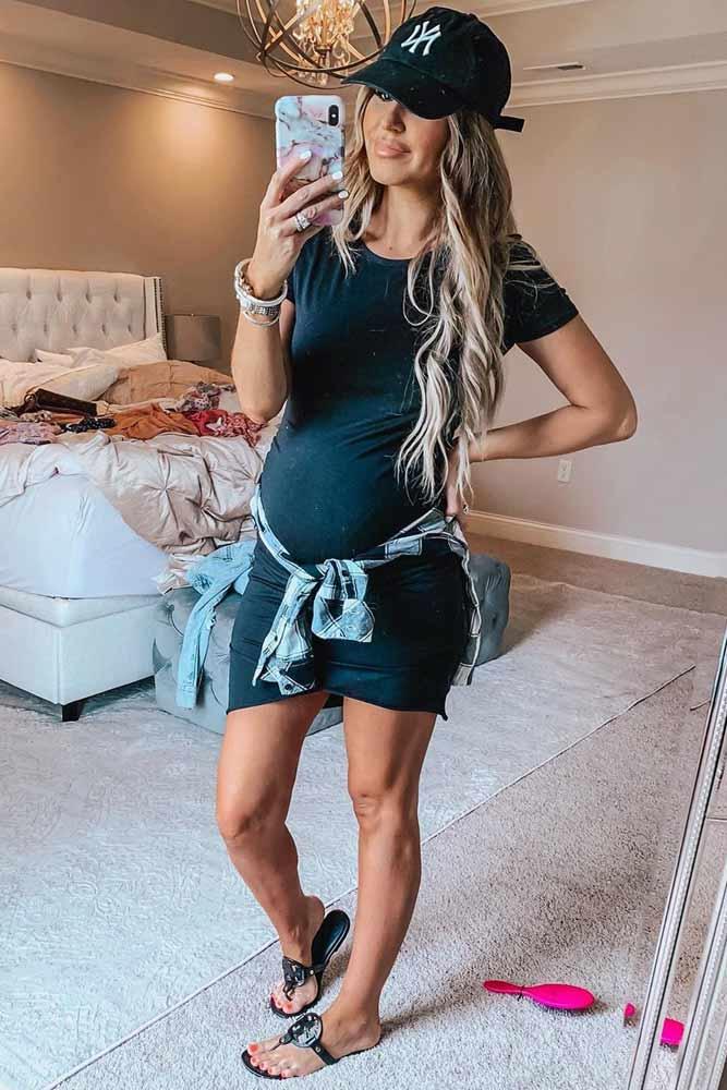 Simple Short Maternity Dress #plaidshirt