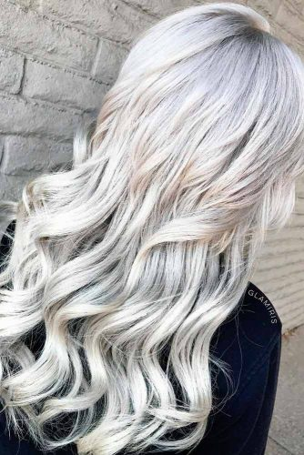 Stylish Looks Of Platinum Blonde Hair #longblondehair #wavyhairstyles