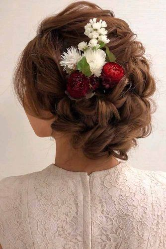 Prom Updo With Natural Flowers #updohairstyles #flowershairstyle