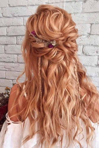 Messy Twisted Half-Up With Flowers #twistedhairstyles #flowershairstyles