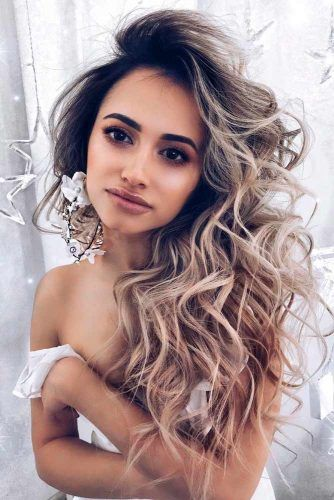 Side Swept Curly Hairstyle #curlyhair #sideswepthair