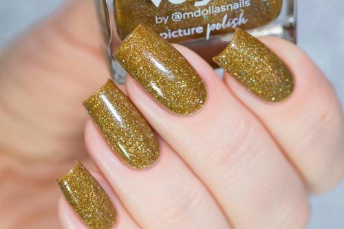 All That Glitters: Gold Nails Designs To Try