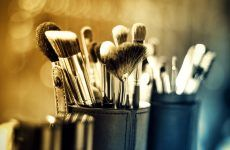 Basic Makeup Brushes And How To Use Them Properly