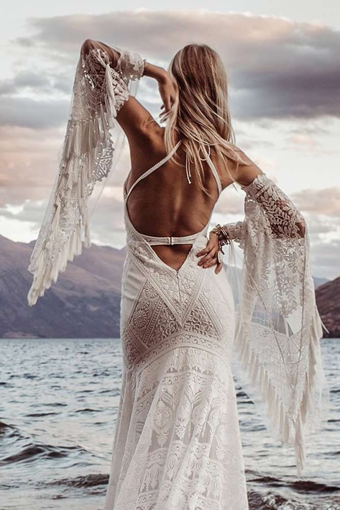 Backless Boho Dress With Removable Sleeves #bohostyle #longsleeves #backlessweddingdress