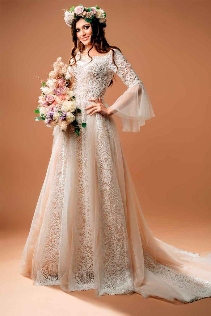 Wedding Dress With Circular Sleeves #prettybrides #weddingday