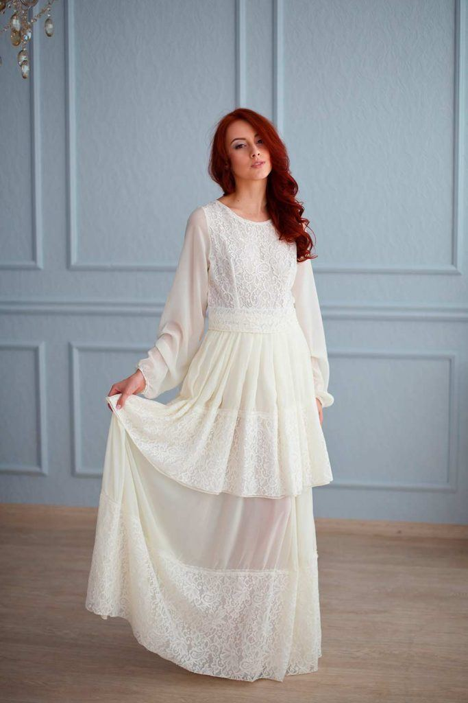 Two Layered Wedding Gown With Long Sleeves #bohobride #bohemianlook