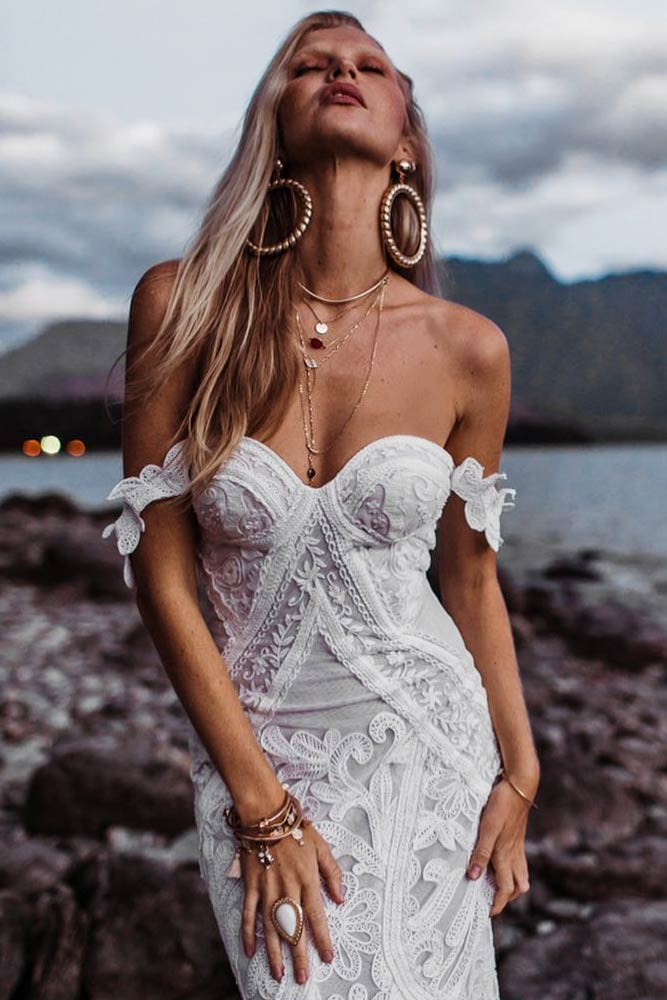 Charming And Sexy Off The Shoulder Dress #bohostyle #shoulderoffdress #bridaldress