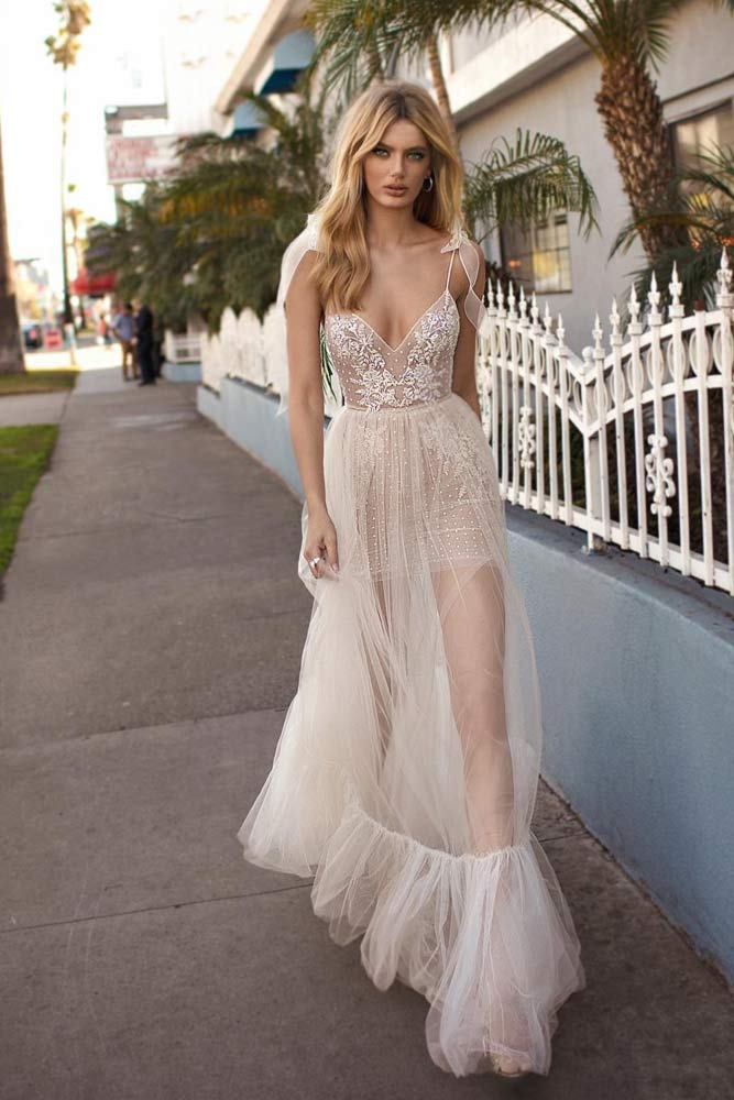 Beautiful Wedding Dress For A Tempting Bride #bohostyle #bridaldress #laceweddingdress