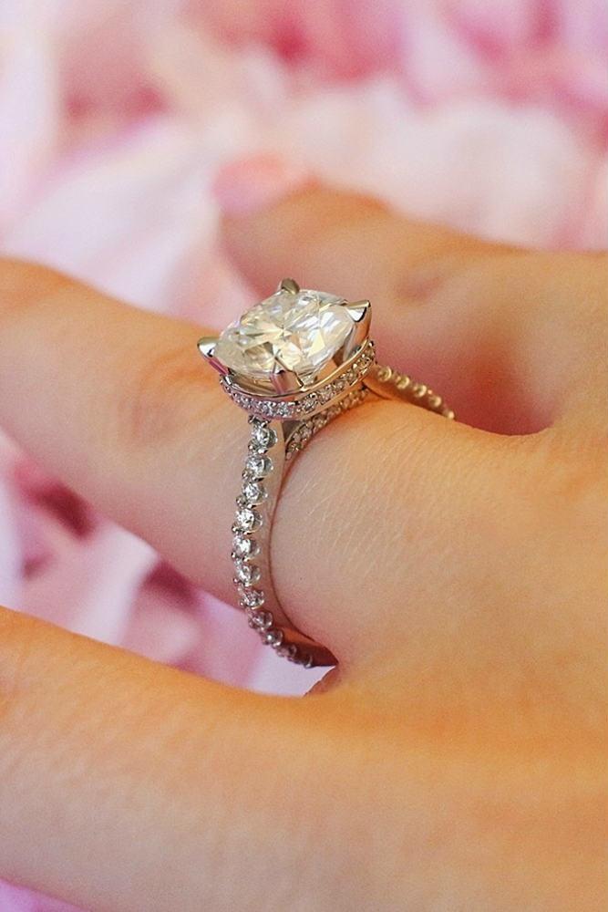 Beautiful Diamond Sparkle #whitegoldring #princesscut #paveband