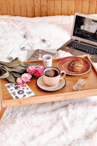 Coffee Has Its Ideal Temperature #flatlay #flowers