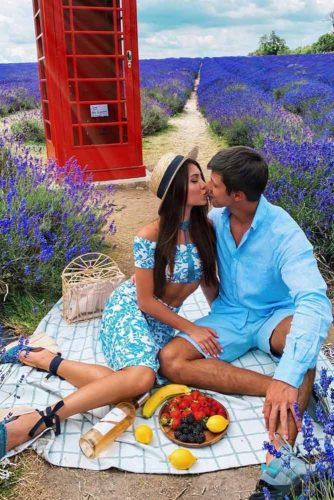 Romantic Picnic Idea #outdoordate #picnic