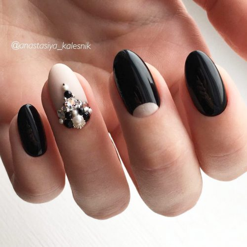 Oval Nail Design In Nude And Black Colors #nudenails