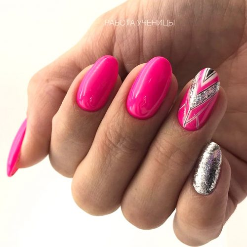Patterned Oval Nail Design #patterned