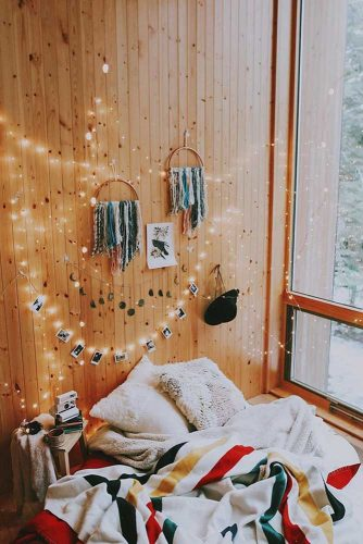 String Lights Decoration In The Bedroom