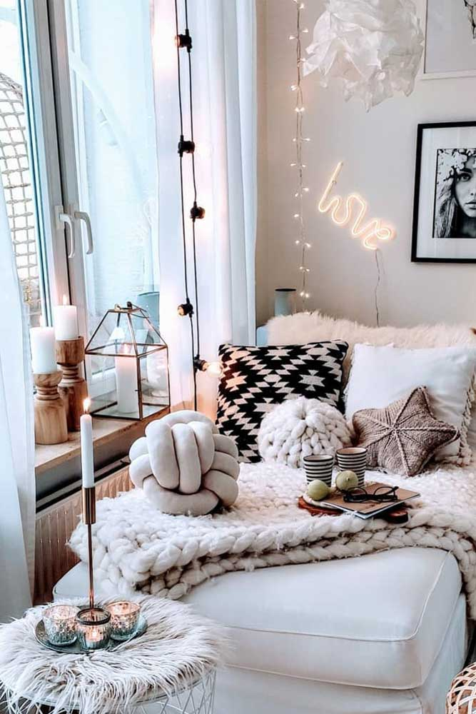 How to Decorate Your Bedroom With Lights #walldecor #futon