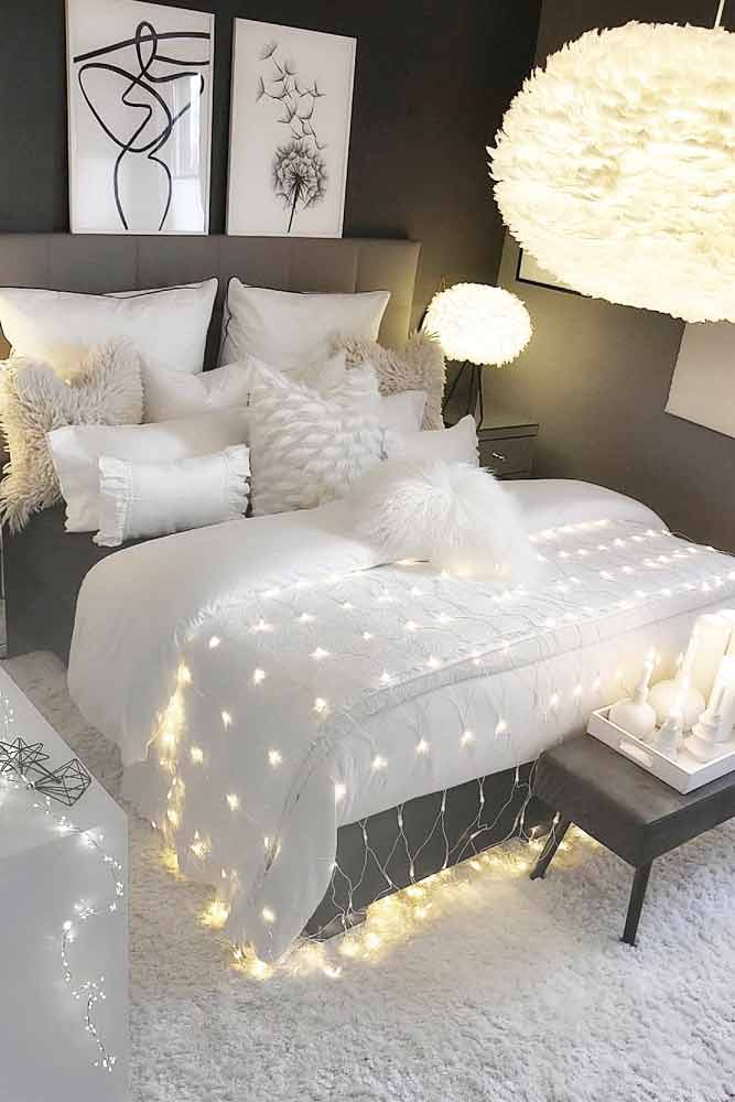 Modern White And Gray Bedroom Design With String Lights #modernbedroom