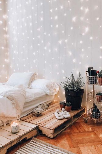 Boho Bedroom Design With String Lights #bohobedroom #rustic