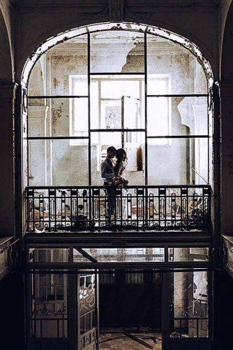Creative Engagement Photo Session #engagementphoto #love #kiss