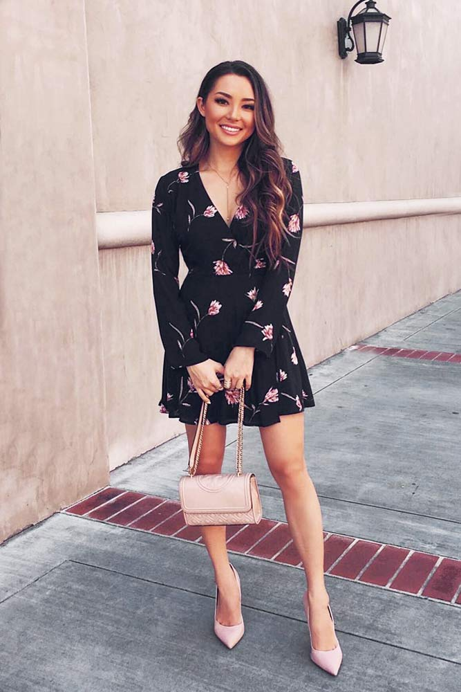 Black V-Neck Floral Dress #shortdress #blackdress #vneckdress