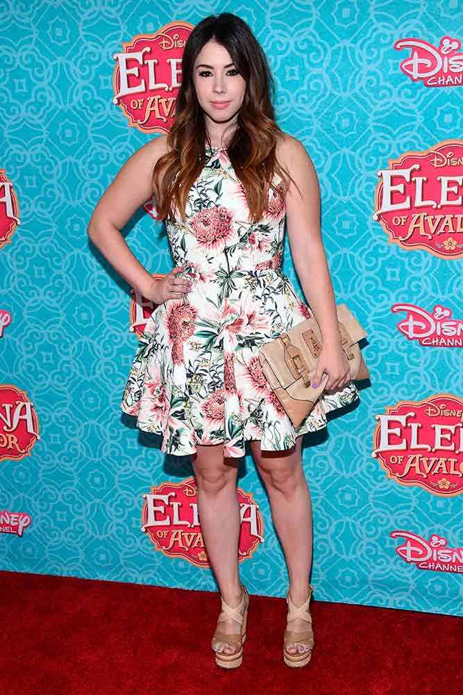 Halter Mini Dress #minidress #halterdress #jillianrosereed