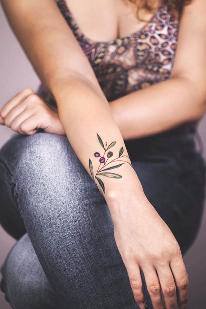 Bracelet Wrist Tattoo With Berries #bracelettattoo