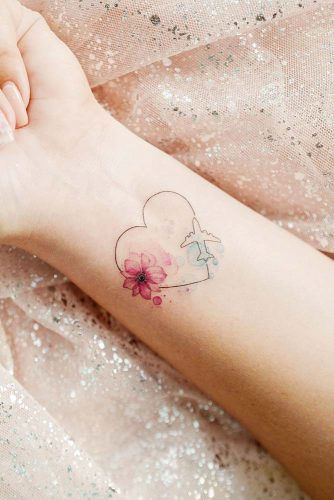 Cute Wrist Tattoo Design With Heart #heartattoo