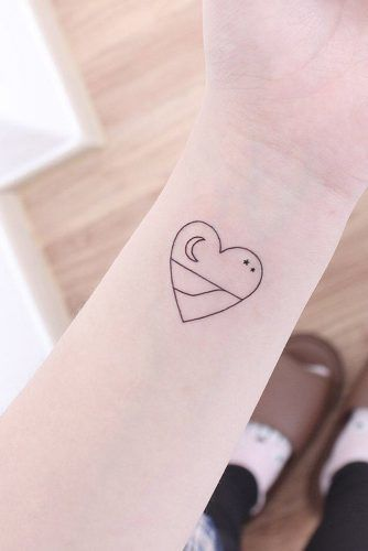 Small Outline Heart Tattoo #hearttattoo