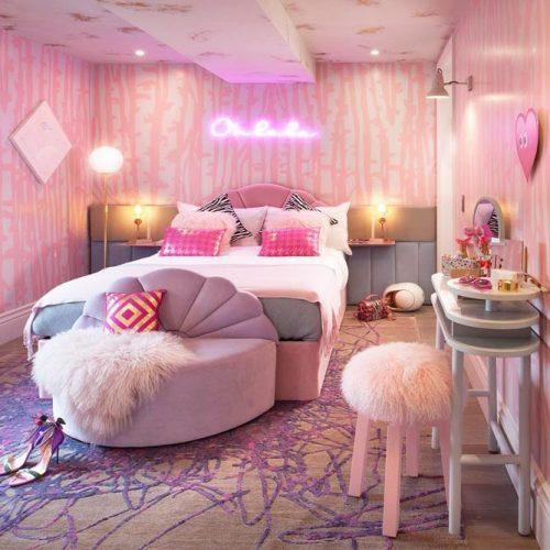 Glam Bedroom Design In Pink Color #glambedroom #bedroomdesign