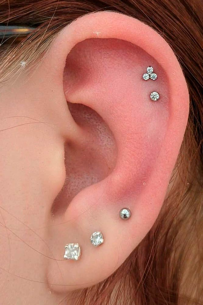 Minimalistic Lobe Earpiercing #lobeearpiercing #multiplepiercings