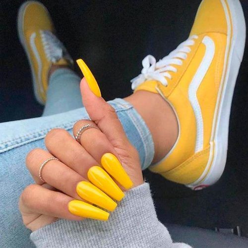 Fresh And Bright Yellow Nails #yellownails #longnails