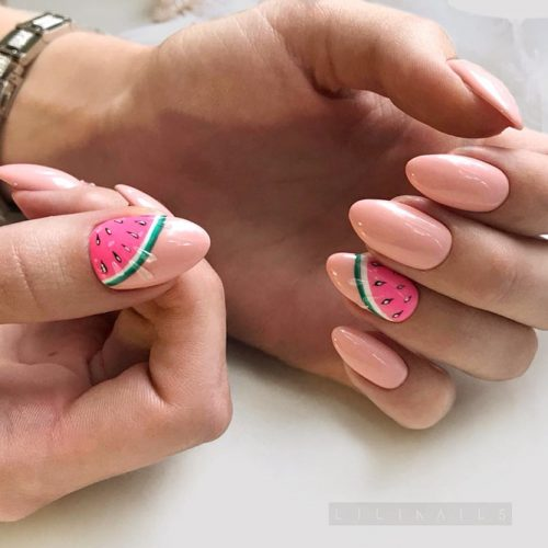 Delicate Peach Manicure With Summer Fruits #peachnails #nudenails #watermelonnails #fruitnails