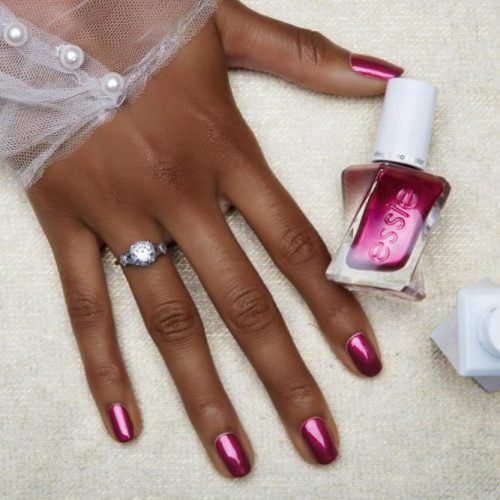 Seductive Berry Pink To Make Your Skin Shine #squoval #berrynails #darkskin