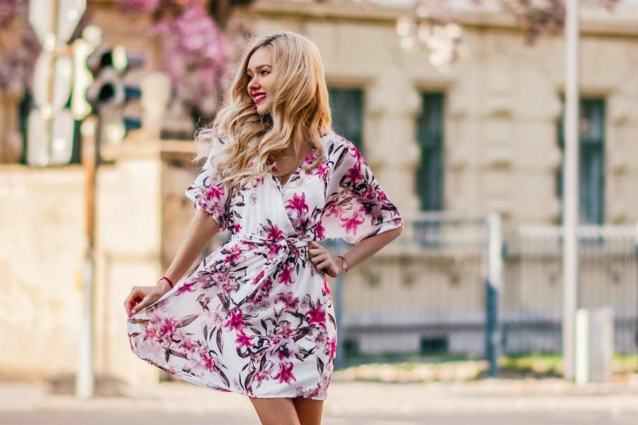 Charming Floral Dresses Designs For The Summertime