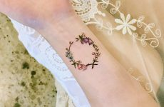 Delicate Wrist Tattoos For Your Upcoming Ink Session
