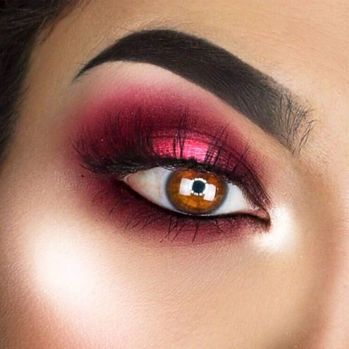 Burgundy Shadow Color For Amber Eyes #burgundysmokey #ambereyes