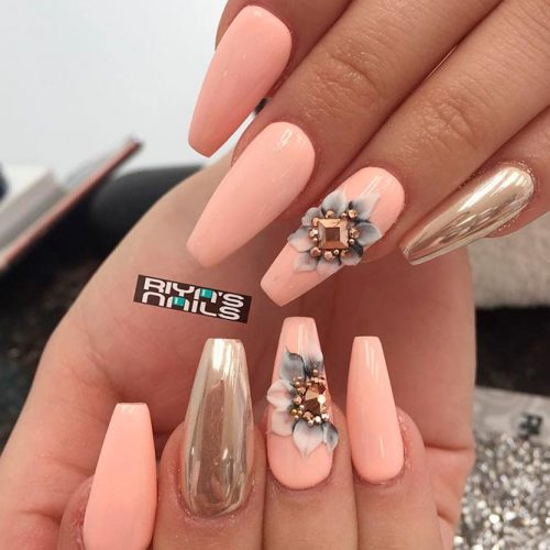 Stunning Nails With 3-D Flowers #chromenails #flowersnails
