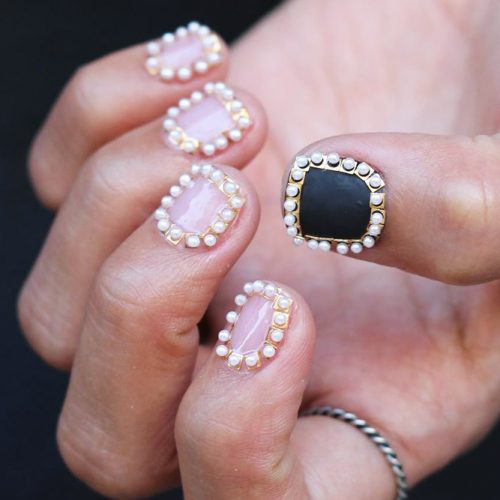 Framed By Pearls Luxury Nails #shortnails #outlinenails #pearls